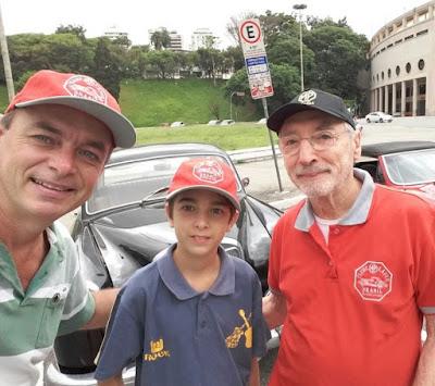Luiz Carlos Papai, seu filho e Percival Lafer: selfie para garantir mais uma geração de entusiastas do MP.