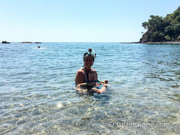bebeğim ve oğlumla denizde, suyun berraklığı harika, Phaselis Kemer Antalya