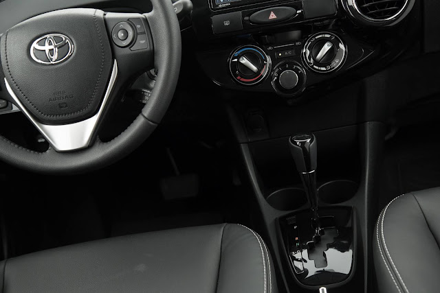 Toyota Etios Automático - interior