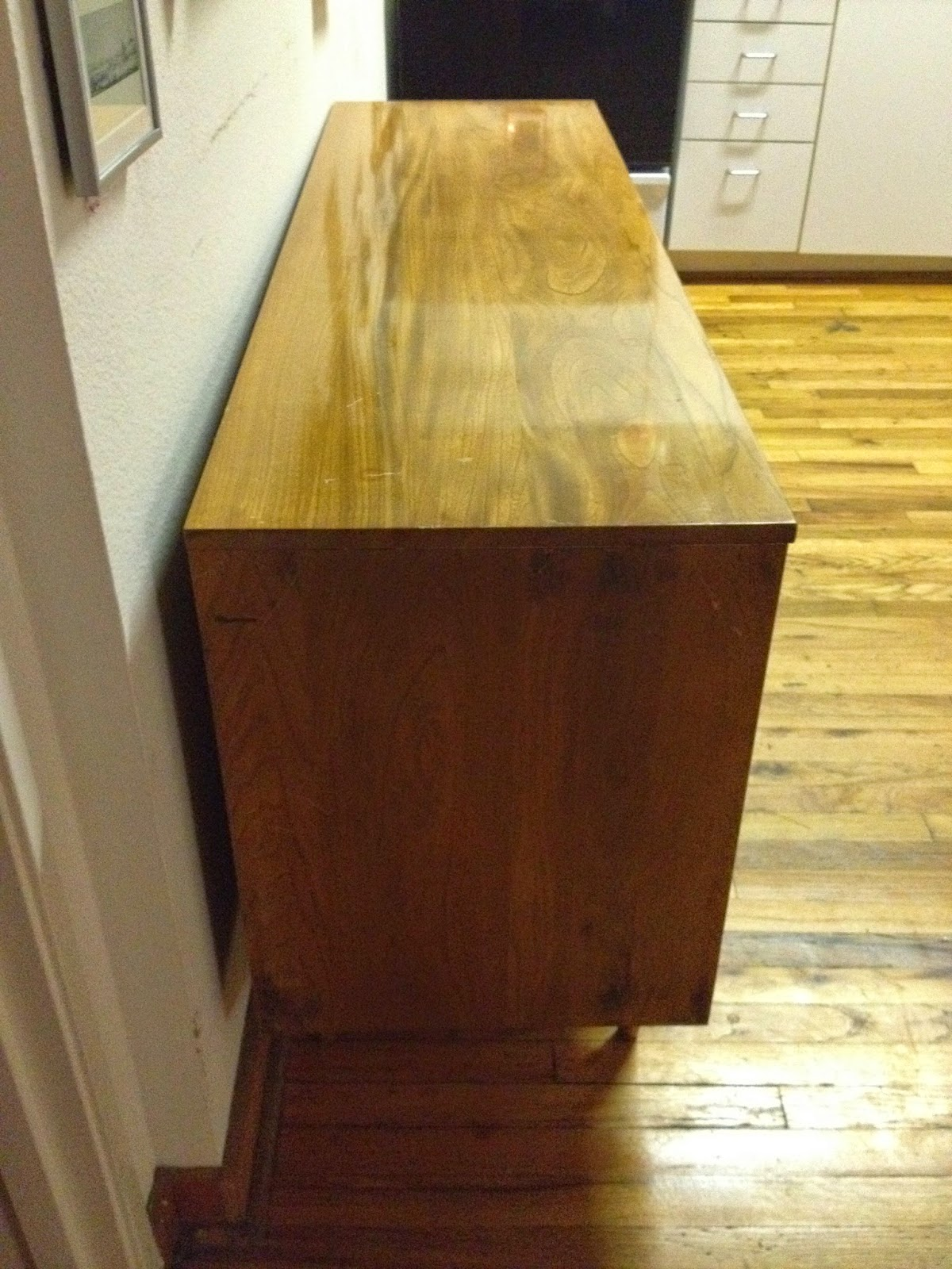 9 Drawer Dresser From The 1960 S By L A Period Furniture Mfg Company Made Of Solid Elm Hardwood In Excellent Condition Vintage