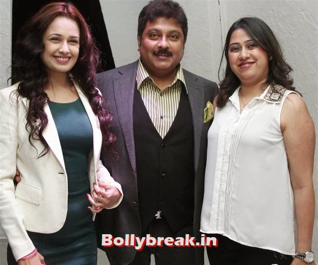 Kapil, Bharti Mehra with  Yuvika Chaudhary, Page 3 Babes at Kapil Mehra Birthday Party