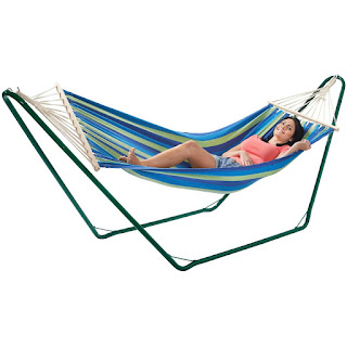 OFFER VonHaus Luxury Free Standing Swinging Garden Hammock Plus Metal Frame, £39.99
