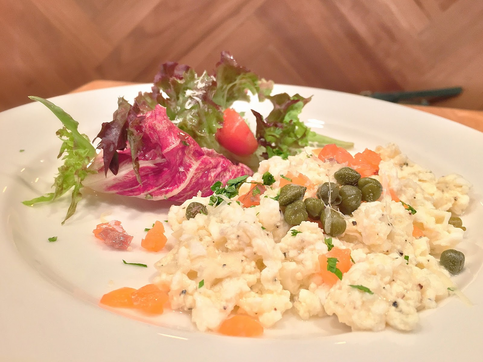 Egg White Scramble with Smoked Salmon Gravlax