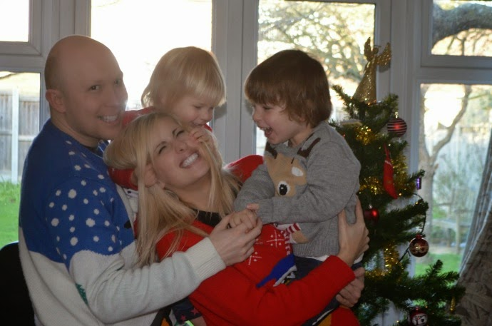 Christmas jumper family, family christmas shot, family christmas photo