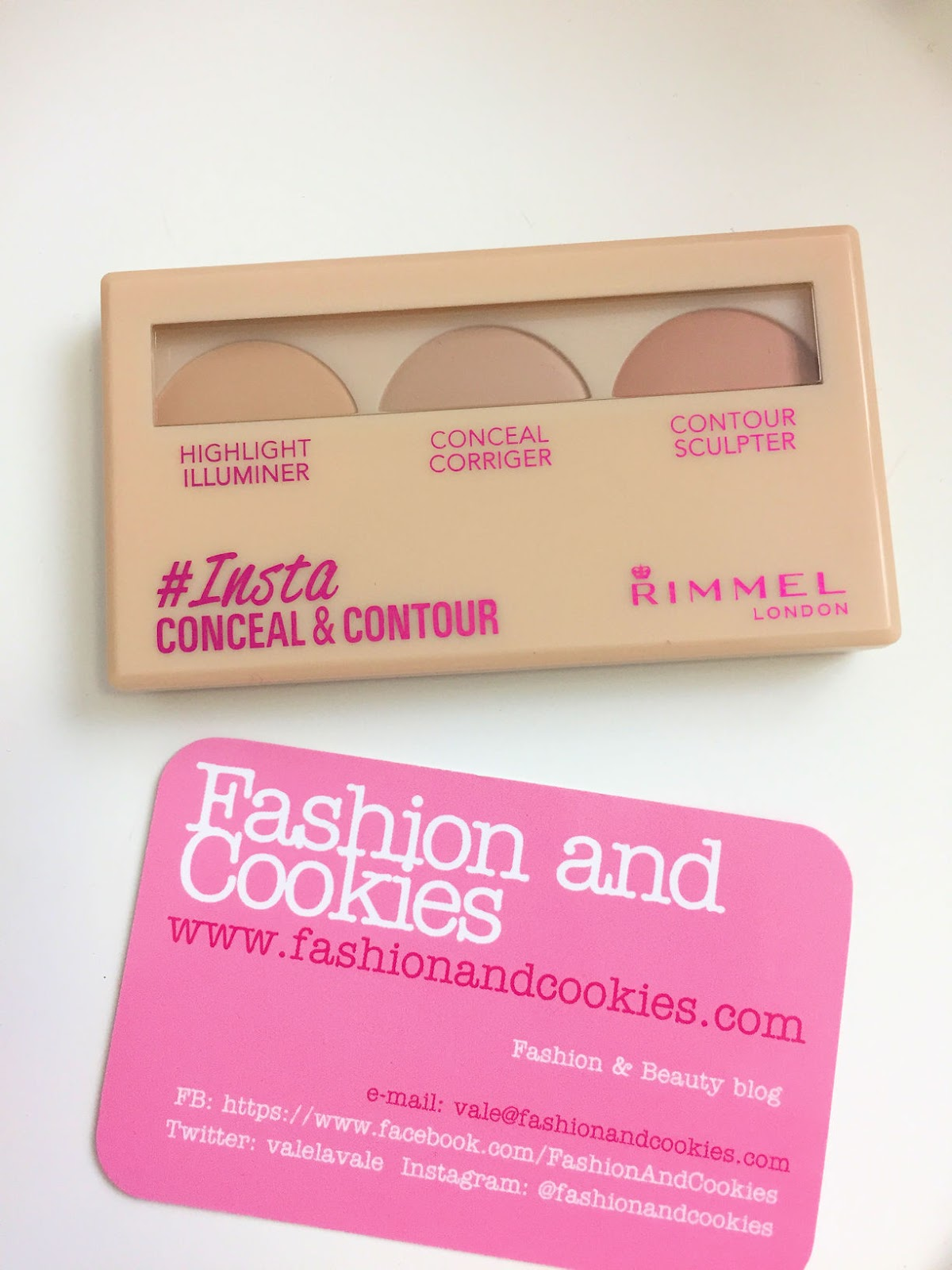 Rimmel Insta makeup per un viso a prova di selfie, conceal&contour palette review su Fashion and Cookies beauty blog, beauty blogger