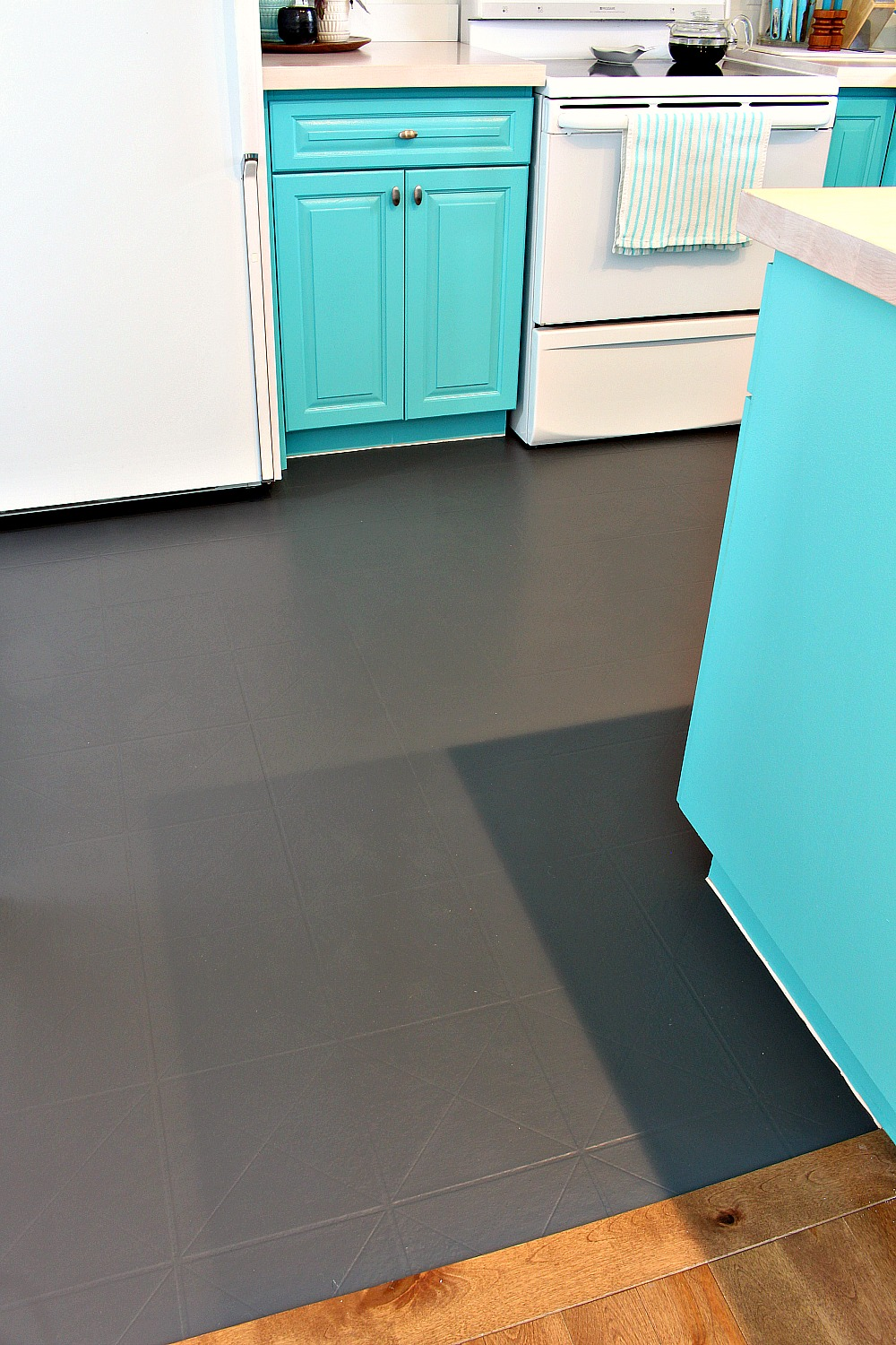 How To Paint A Vinyl Floor Diy Painted Floors Dans Le