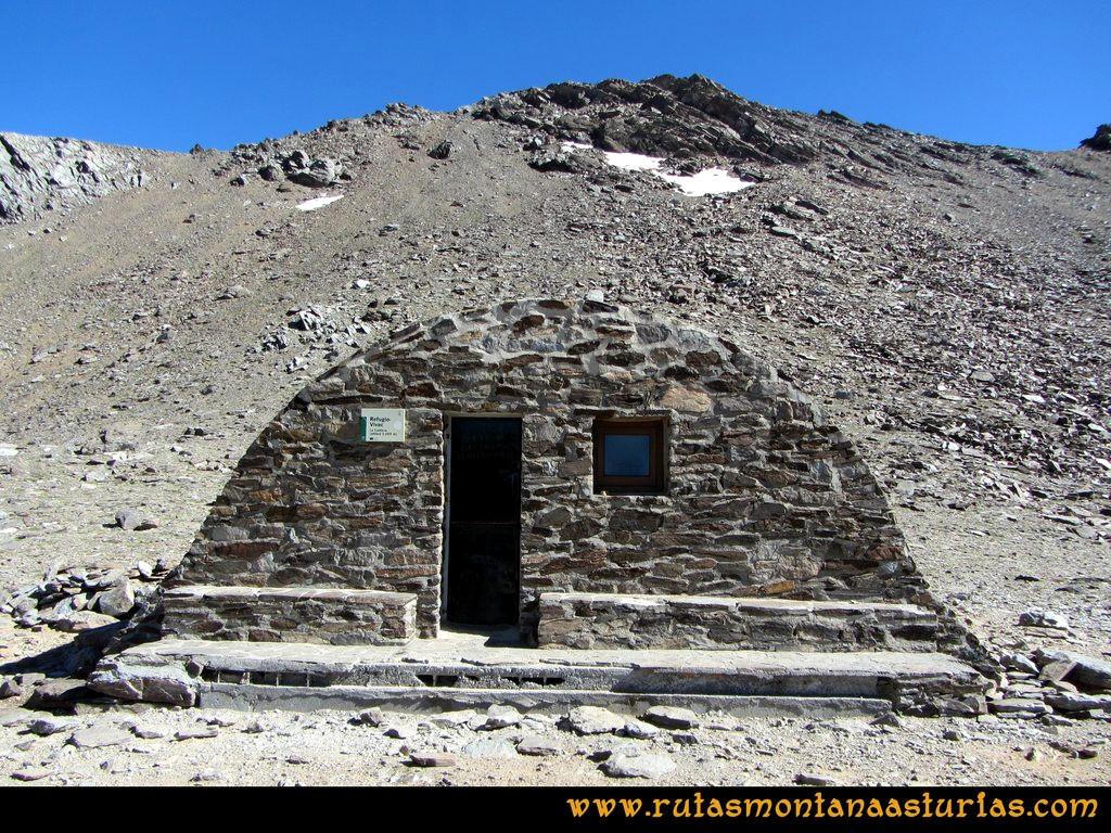 Ruta Posiciones del Veleta - Mulhacén: Refugio de Caldera