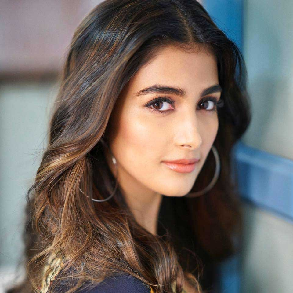Pooja Hegde Profile Biography Family Photos And Wiki And