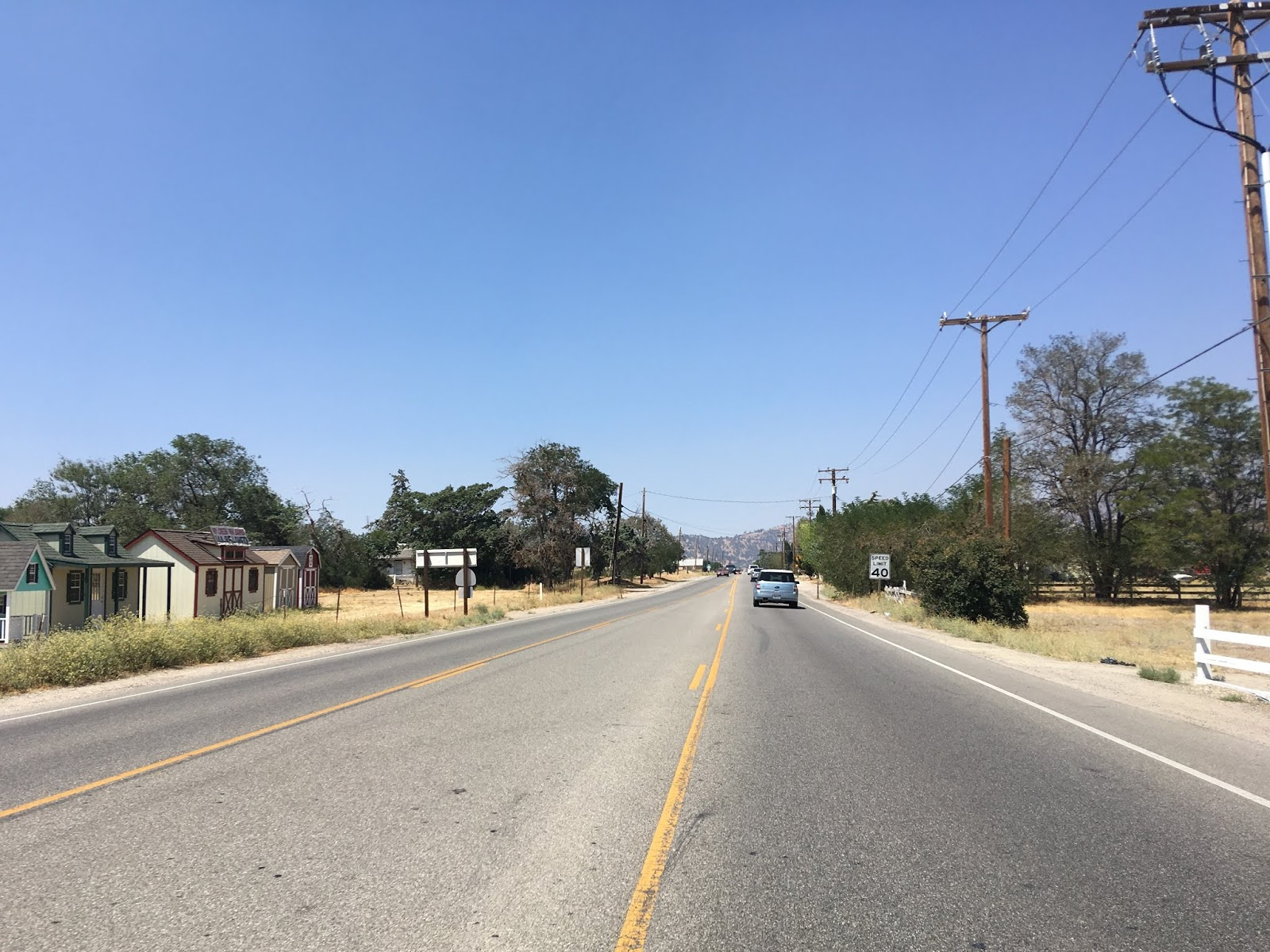 us 466 diverged from valley boulevard and ca 202 at woodford tehachapi road heading northward which would be on the right in the photo below