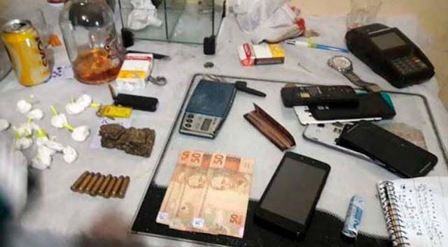 Droga era vendida até no crédito em ponto de tráfico no litoral