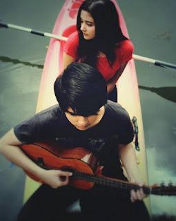 Foto Aliando Syarief dengan Prilly Latuconsina Romantis