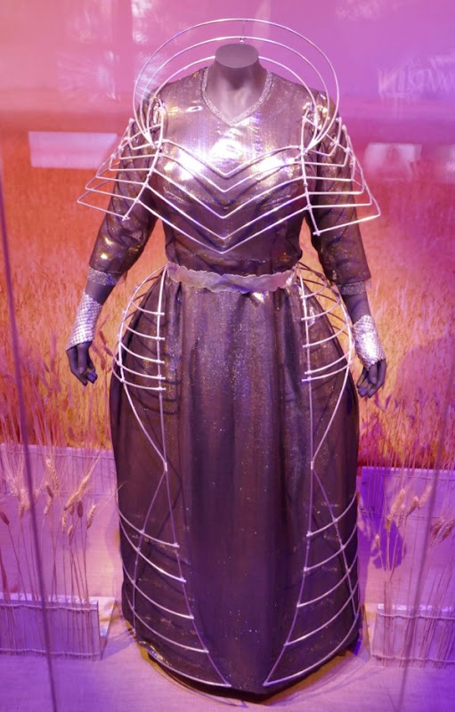 Oprah Winfrey A Wrinkle in Time Mrs Which movie costume