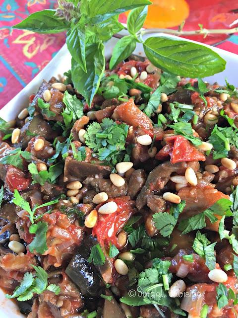 sweet kwisine, salade, aubergines, tomates, cannelle, coriandre