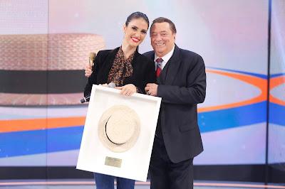 Chris Flores e Raul Gil (Crédito: Rodrigo Belentani/SBT)