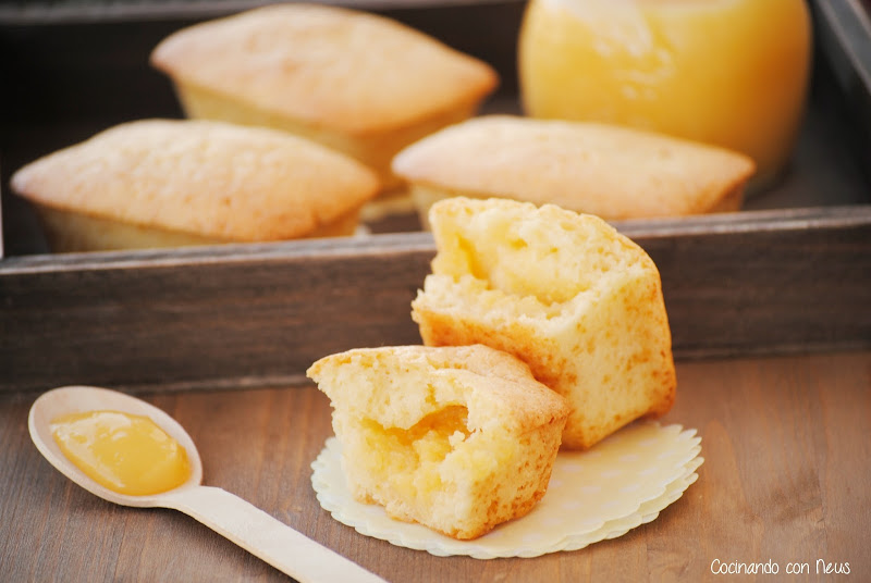 Mini cakes de yogur rellenos de Lemon curd-cocinando-con-neus