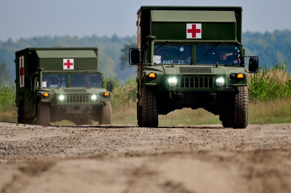HMMWV M1152 Burtek B4731 Ambulance module 8008 E9 і 8009 Е9