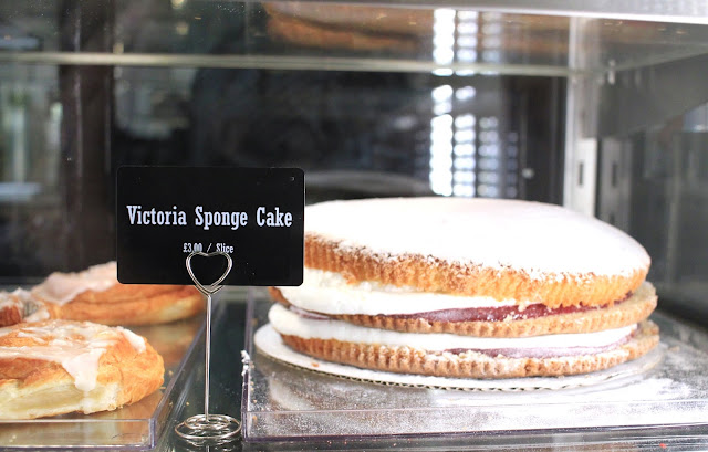 Victoria Sponge Cake Mad Penguin Aberdeen Blog UK Best Travel Lifestyle Bloggers Visit Scotland