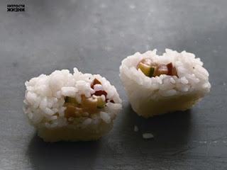 Для чего можно использовать формы для льда из вашей морозилки? http://prazdnichnymir.ru/, формы для льда, как использовать формы для льда, формочки для люда, ледяные кубики, какие продукты можно заморозить в формочках, ячейки для люда, заморозка продуктов, какие продукты можно заморозить, контейнеры для льда, зачем нужны формы для льда, как сохранить продукты, советы по хранению продуктов, советы по заморозке, кубики с травами, ледяные кубики для красоты, полезное о формовках, замороженные продукты, замороженное масло, замороженный сок, замороженное вино, конфеты своими руками, желе в формах для льда, конфеты в формах для льда, приправы в формах для льда, ягоды в формах для льда, полезные свойства форм для льда,Для чего можно использовать формы для льда из вашей морозилки?