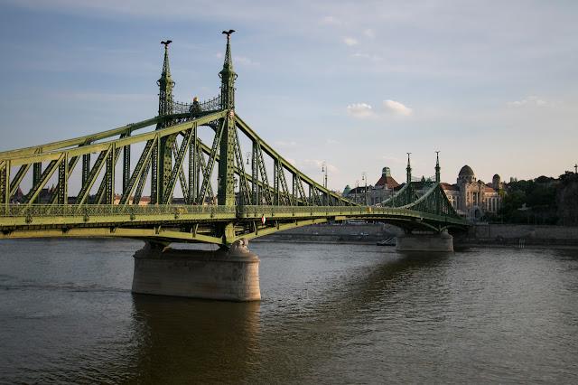 Ponte della libertà-Budapest