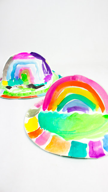 how to make pop up paper plate rainbows with preschoolers- fun kids craft project for spring!