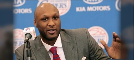 Lamar Odom Checks Into Rehab