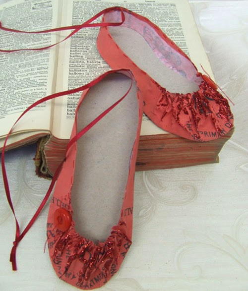 09-Shoe-Red-Ballet-Jennifer-Collier-Stitched-Paper-Sculptures-www-designstack-co