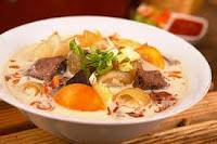 Satu lagi kreasi soto orisinil masakan khas nusantara yang patut diacungi jempol selain soto  RESEP SOTO BETAWI SUSU