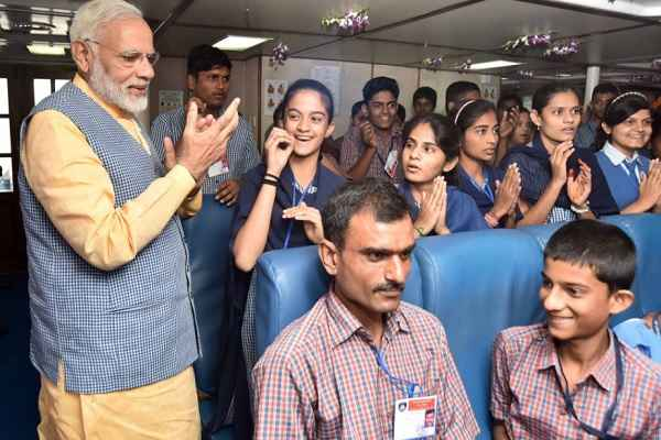 children-happy-in-modi-ro-ro-feri-service