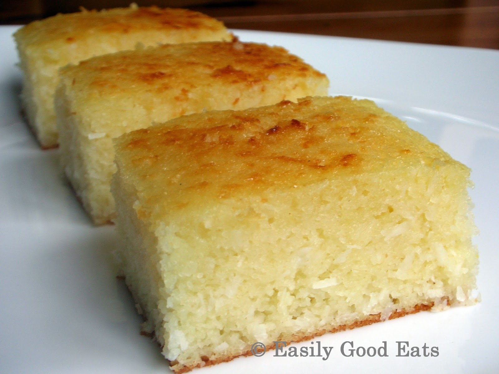Lemon And Coconut Mik Cake