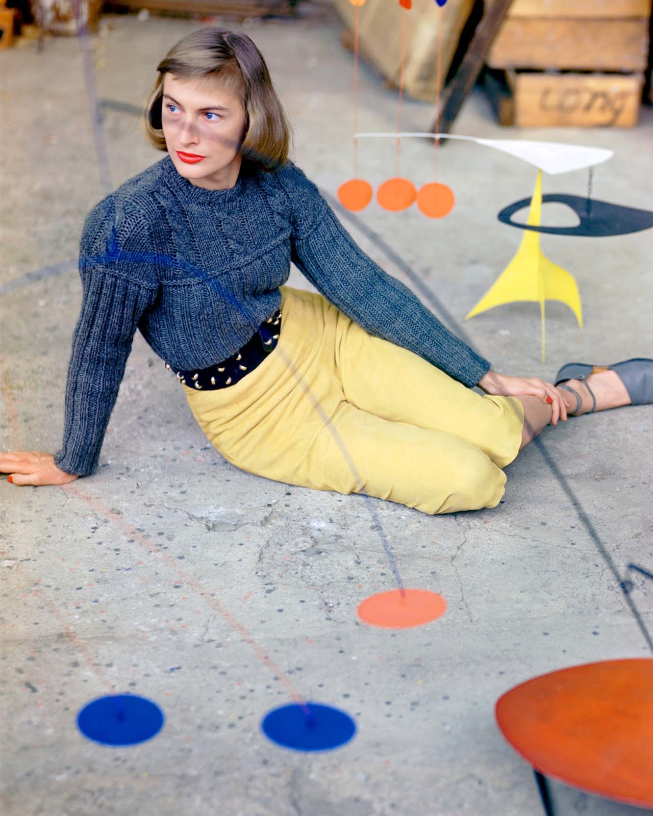 Genevieve Naylor's post-war fashion photos in stunning colors