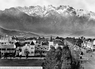 """<Img src =""""Colorado-Springs-1920.jpg"""" width = """"564"""" height """"410"""" border = """"0"""" alt = """"Colorado Srings en la época de Frederic McKay"""">"""