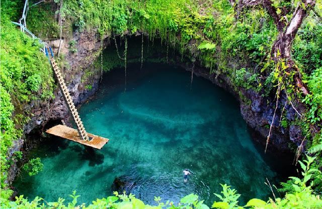 http://www.katasaya.net/2016/08/lubang-air-paling-indah-di-dunia.html