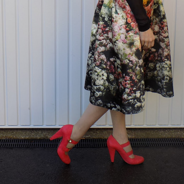 Orange Mulberry quilted shoes with postman's lock