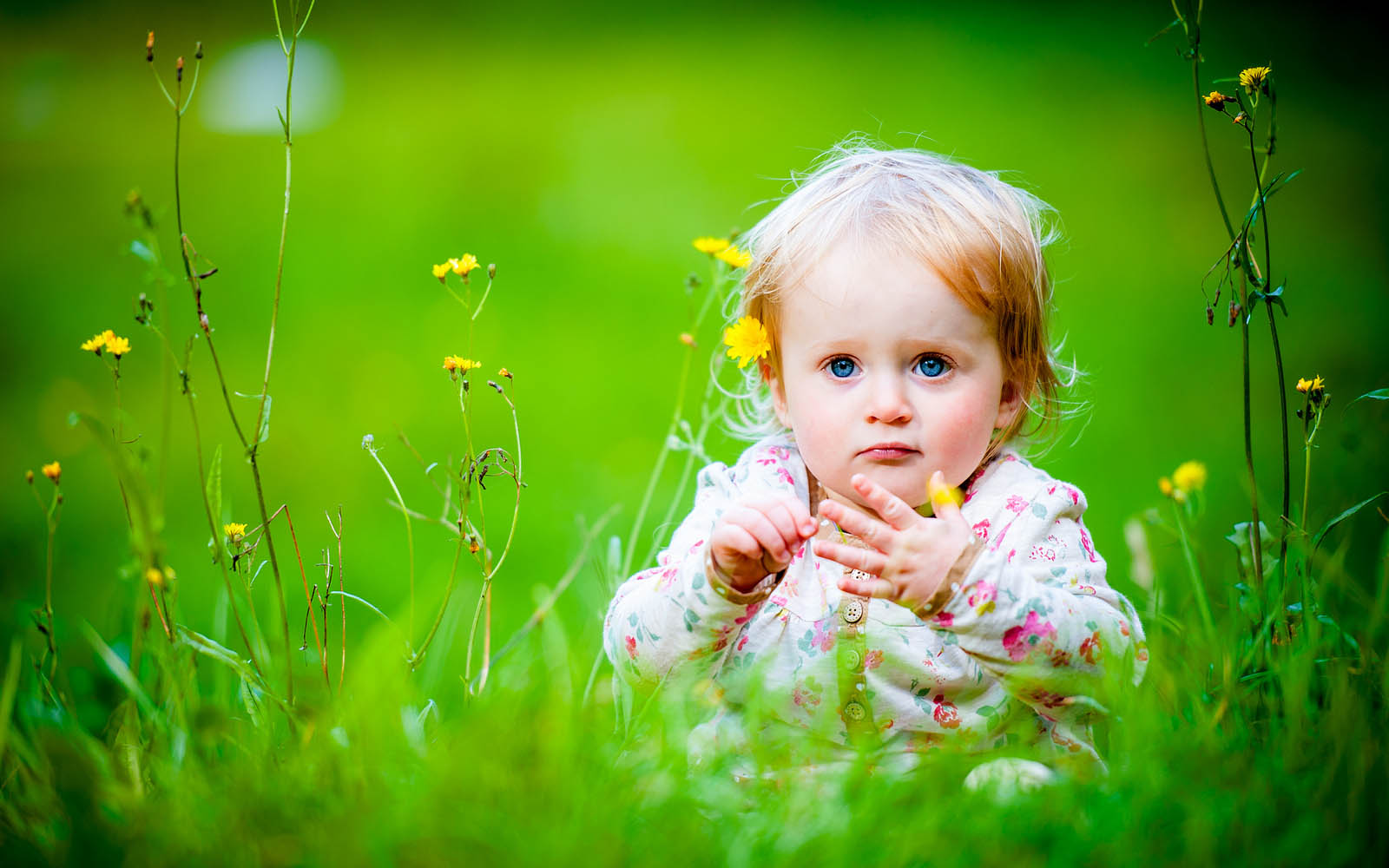 Cute Baby Girl Wallpapers Free Download: Baby Girl Wallpapers:wallpapers Screensavers