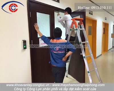 Đội ngũ nhân viên có trình độ tay nghề cao, thái độ làm việc tốt, hết mình vì công việc vì sự hài lòng của quý khách hàng.