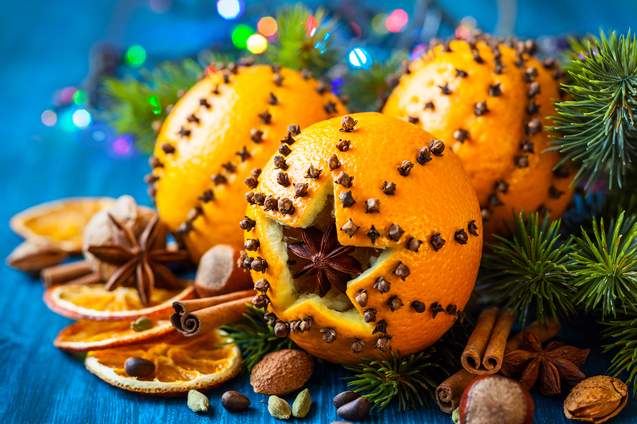 Orange And Cloves Decorations For Christmas