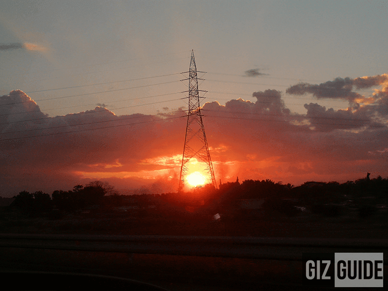 2x hybrid zoom in HDR while moving inside a car