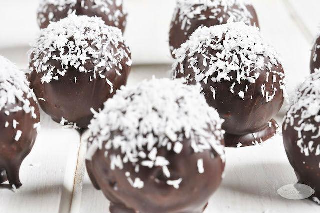 Recetas de solo 3 ingredientes: bolitas de coco y chocolate