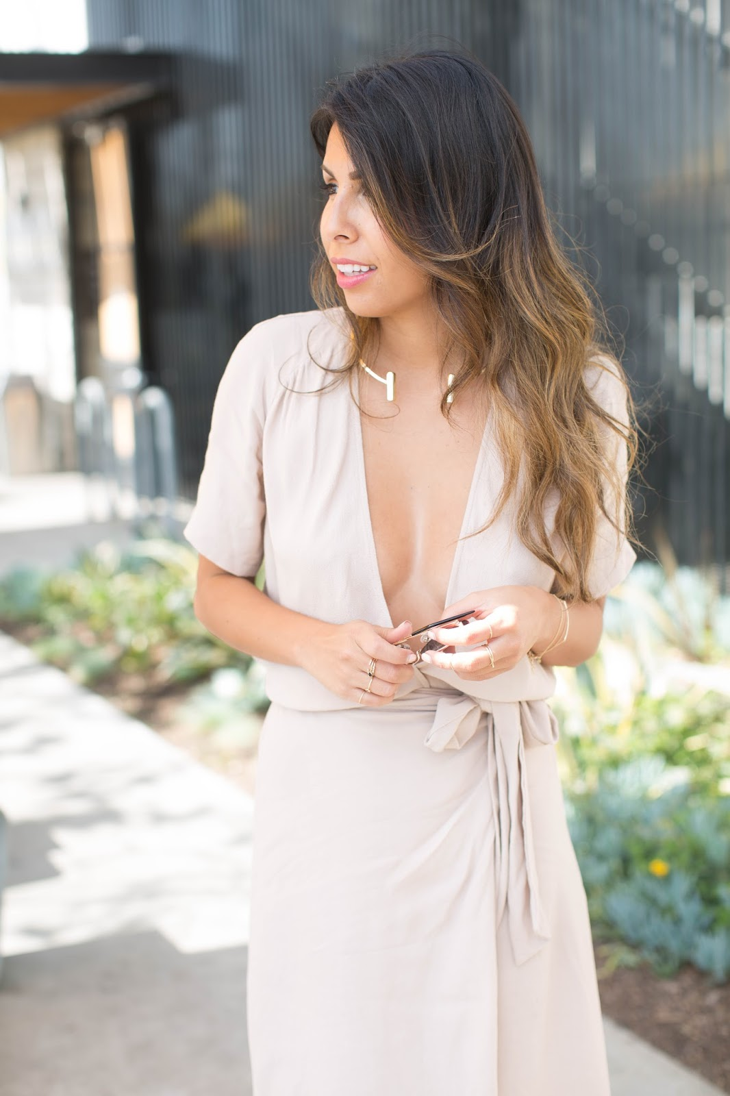 how to wear plunging neckline dress, reformation wrap dress, capwell collar necklace