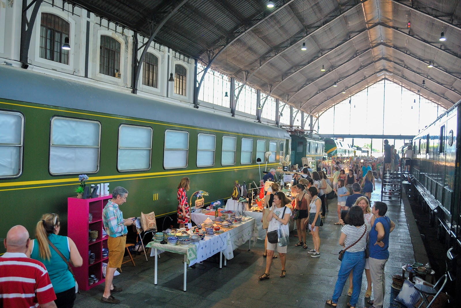 travel guide madrid summer mercado motores market museum railway ferrocarril
