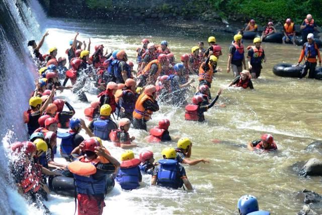 Tubing Sungai Tuntung Gunung