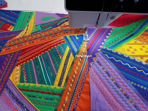 crazy color mystery quilt-blokken aan elkaar zetten
