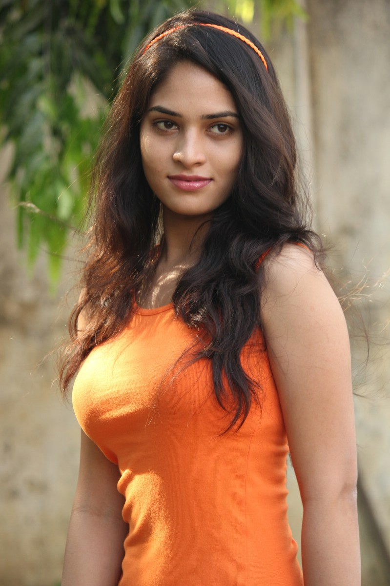 Tamil Actress Sanyathara Hot Photos - Cap-6090