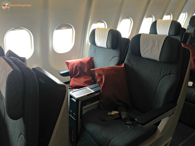 Cathay Pacific opinioni, Cathay Pacific recensione, cathay pacific aereo, volare con cathay pacific, dragon air,