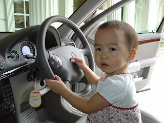 Image: Child in Car in Thailand, by Honey Kochphon Onshawee on Pixabay