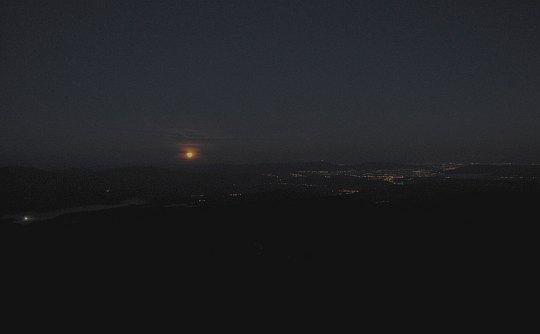 Zachód księżyca z Babiej Góry.