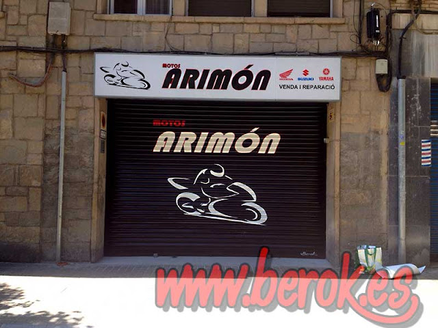 graffiti persiana Motos Arimón
