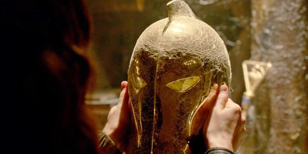 Helmet of Fate Dr Fate DC Comics reference in NBC Constantine Season 1 Pilot Episode Non Est Aslyum