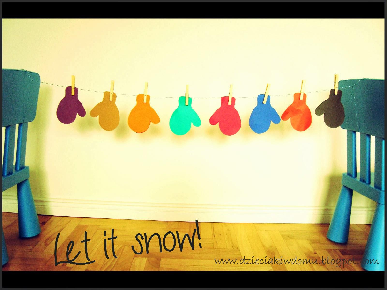 zimowa zabawa kreatywna z dziećmi, dobieramy rekawiczki do koloru i wieszamy przy pomocy klamerek