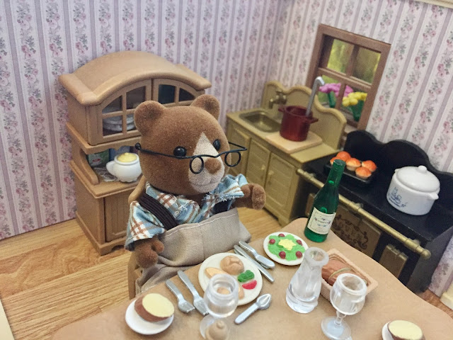 Sylvanian Families Care Home Marmalade Bear